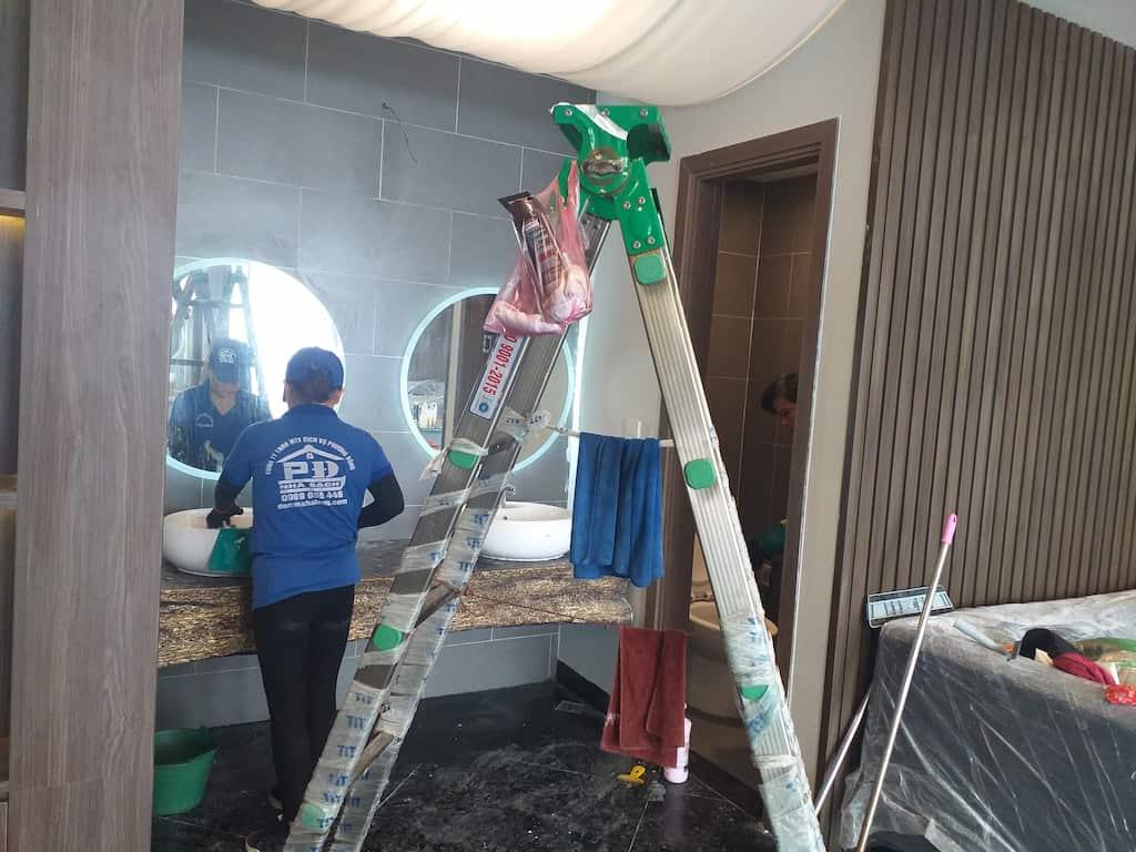 vệ sinh công nghiệp nhà sau xây dựng