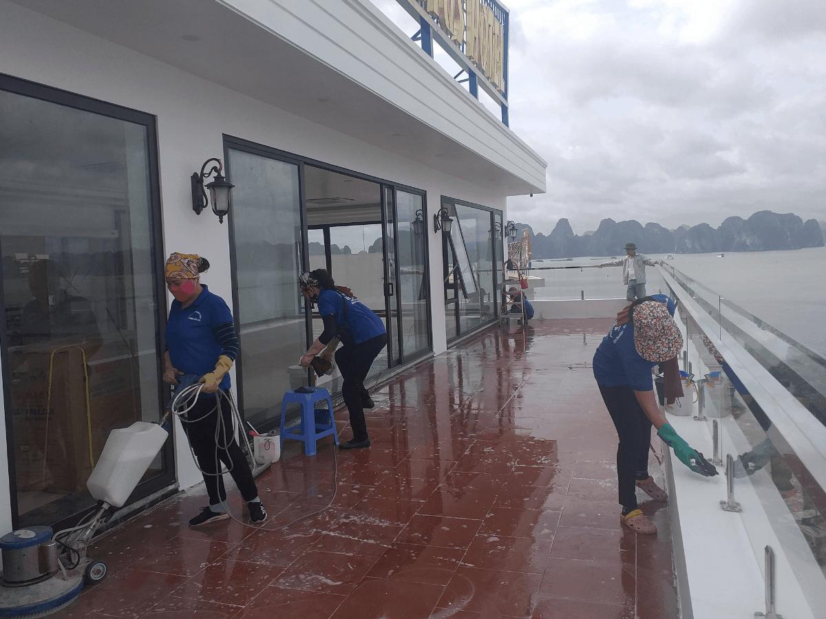 Dịch vụ vệ sinh nhà sau xây dựng tại Hạ Long