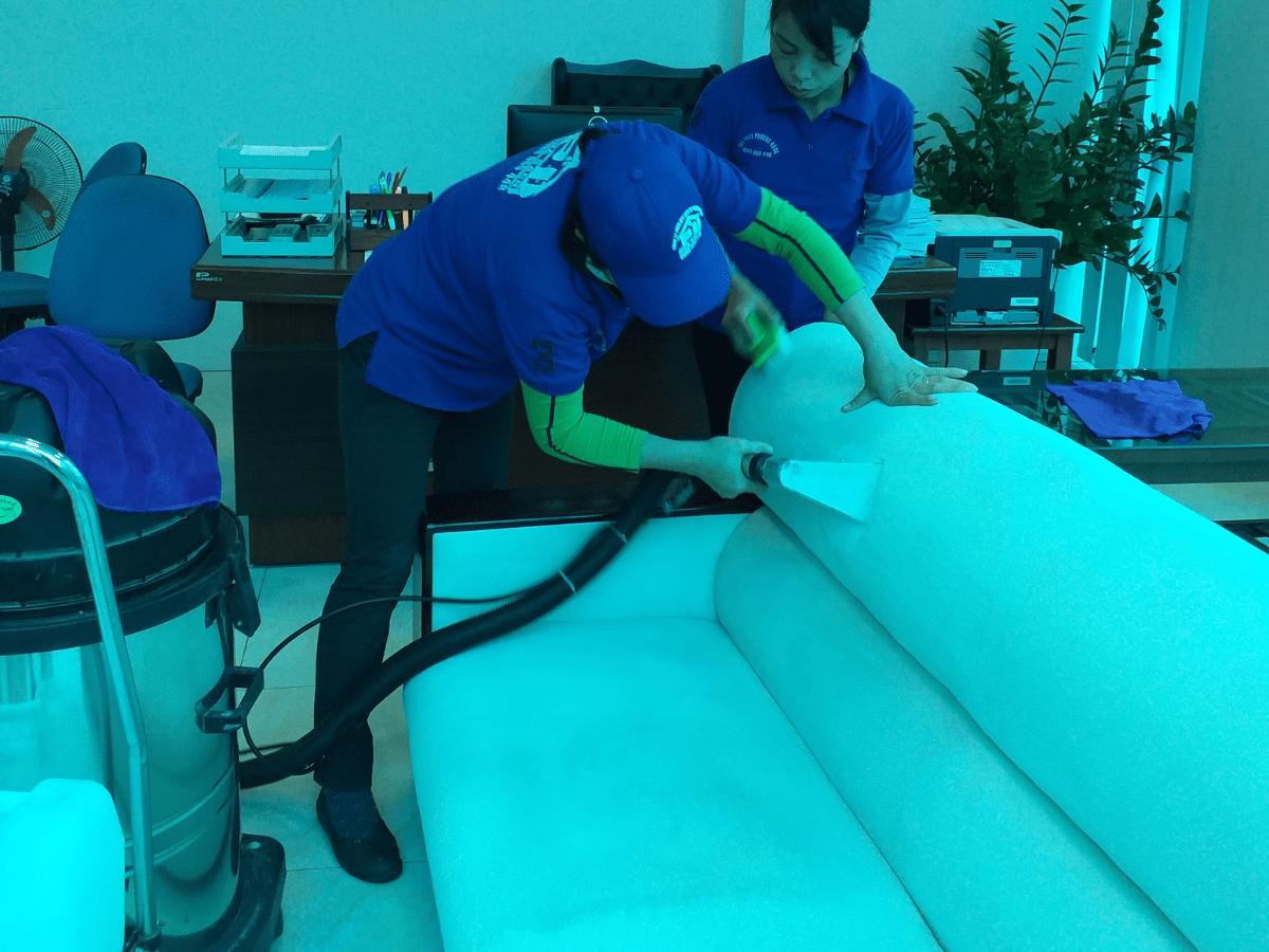 Dịch vụ vệ sinh ghế sofa vải, nỉ tại Hạ Long, Quảng Ninh